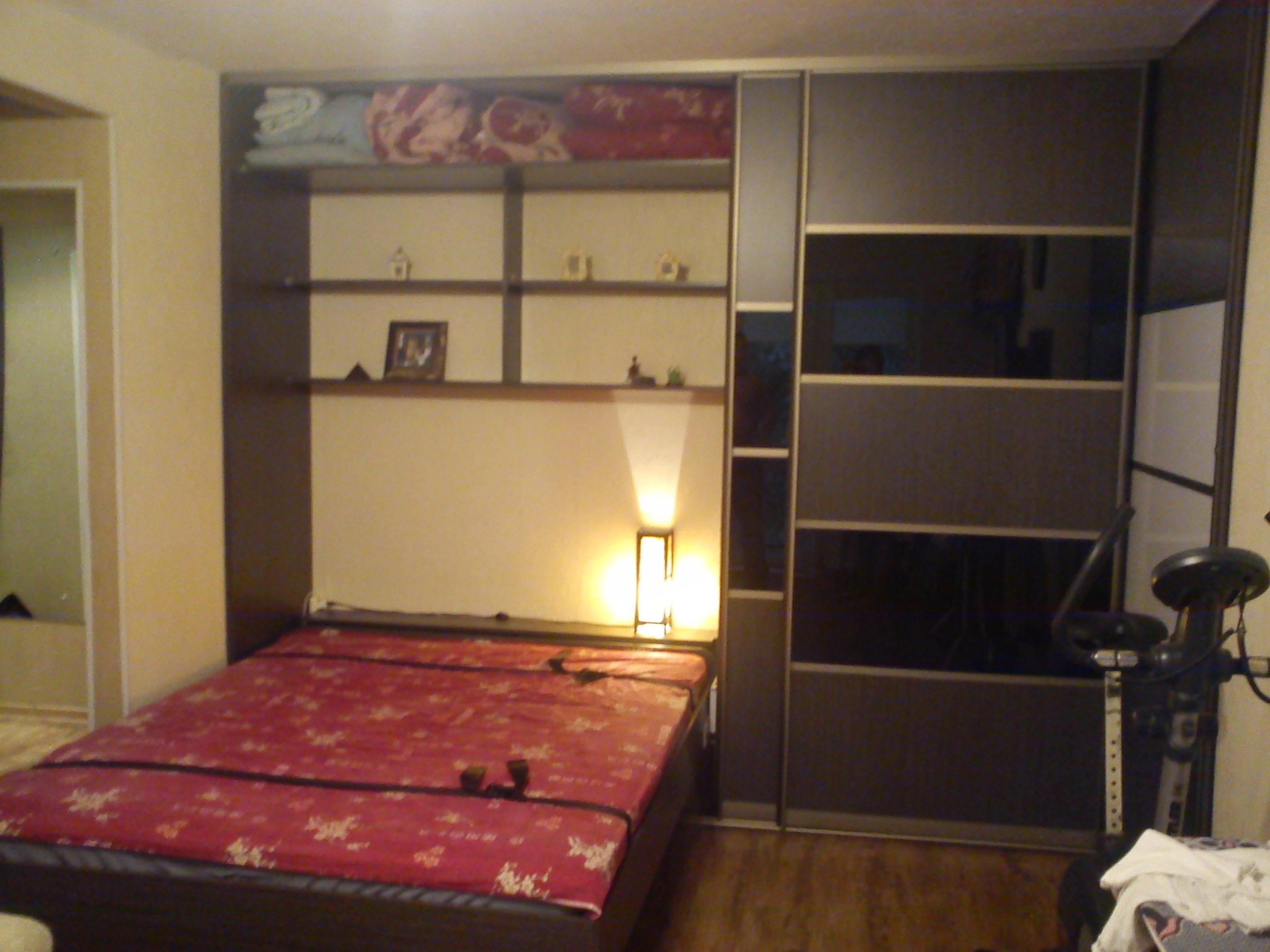Шкаф со встроенной кроватью фото